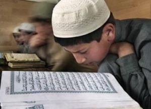 para-siswa-sebuah-madrasah-islam-di-dagestan-tengah-belajar-_120117141841-856