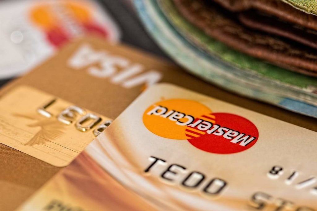 Kartu Kredit Visa dan Master Card (Credit Card)