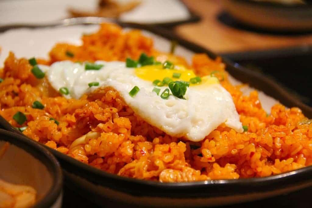 Ilustrasi cara membuat nasi goreng dalam bahasa inggris indonesia