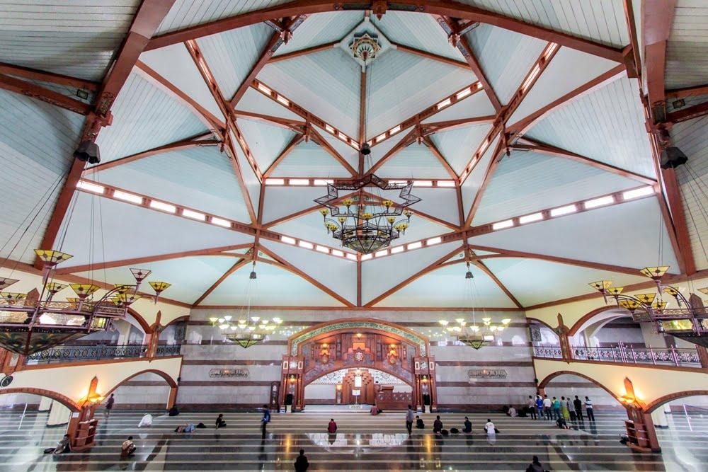 Masjid Pusdai Bandung Jabar