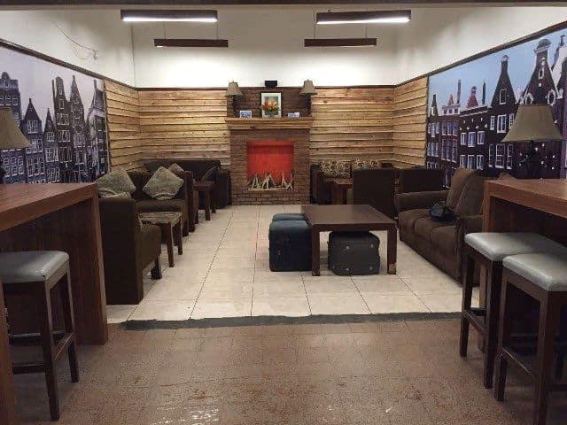 Ruang Sofa Koffie Tijd Kafe Kopi di Bandung