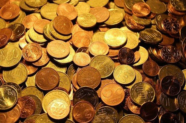 Ilustrasi Uang Koin 5,10,50 Sen Duit Recehan Warna Kuning