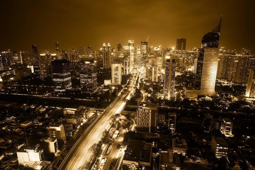 Kota Jakarta Malam Hari Gedung BNI46 Lampu Kuning Jalan Raya dari Atas Langut Malam Terang